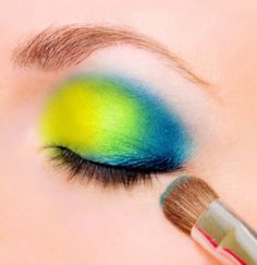 Spring Makeup. My lil sis could probably pull this off...me...def not! Lol