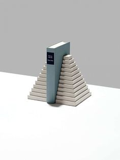 London designer Klemens Schillinger modelled these concrete tabletop accessories on the shapes of ancient Greek and Mayan architecture Concrete Furniture, Concrete Cement, Concrete Design, Concrete Crafts, Concrete Projects, Ancient Greek Architecture, Ancient Buildings, Gothic Architecture, Tabletop Accessories