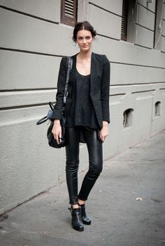 #allblackeverything outfit, love the leather pants (shop your perfect leather garments at www.bluegold.nl)