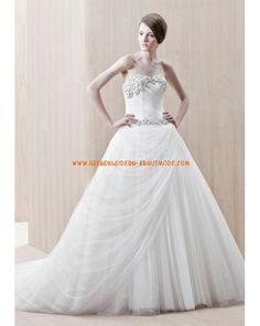 Luxuriöse traumhafte Brautmode aus Softnetz und Satin Ballrock mit Perlen verziert