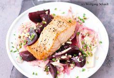 Gegrillter Wildlachs auf rote Rüben-Salat