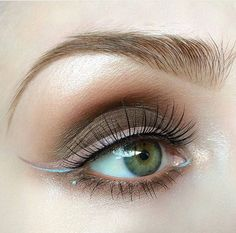 brown smokey eye with reversed winged liner + touch of blue Eyeshadow Basics, Taupe Eyeshadow, Eyeshadow For Brown Eyes, Smokey Eye For Brown Eyes, Smoky Eye, Makeup Looks For Green Eyes, Cool Makeup Looks, Blue Makeup, Makeup Tips