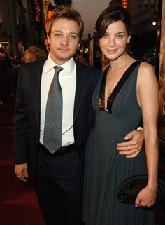 Jeremy Renner and Michelle Monaghan at event of North Country (2005)