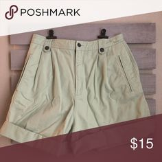 Shop Women's Liz Claiborne Green size 10 Jean Shorts at a discounted price at Poshmark. Green Shorts, Green Cotton, High Waisted Shorts, Liz Claiborne, Size 10, Best Deals, Cute, Closet, Things To Sell