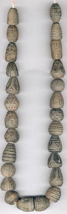 clay spindle whorls - Mali