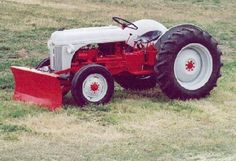 ford 8n tractor - Google Search Antique Tractors, Vintage Tractors, Old Trucks, Pickup Trucks, 8n Ford Tractor, Ford Girl, Classic Tractor, Ford News, Diesel Fuel