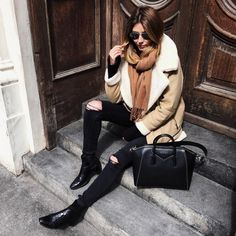 Beige zara shearling avatar jacket coat, black skinny jeans, Saint Laurent ankle boots, Givenchy studded Antigona bag, camel scarf, winter outfit