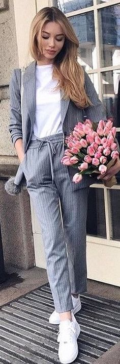 #winter #outfits white crew-neck top, gray coat and pants. Pic by @fashionloovy.