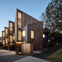 Best Modern Apartment Architecture Design 34 image is part of 80 Best Modern Apartment Architecture Design 2017 gallery, you can read and see another amazing image 80 Best Modern Apartment Architecture Design 2017 on website Architecture Design, Timber Architecture, Australian Architecture, Residential Architecture, Amazing Architecture, Contemporary Architecture, Contemporary Furniture, Modern Contemporary, Modern Townhouse