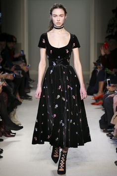 Luisa Beccaria Fall 2016 Ready-to-Wear Fashion Show