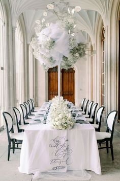 Historic elegance meets modern luxury in this Ashridge House wedding inspiration with 3 designer bridal gowns, monochromatic blooms and an epic chapel ceremony. If you love the idea of a black and white wedding cake or pearl embellished headband for your big day, you will not want to miss the captivating imagery in store on Ruffled now! #englishcountryhouse #luxurywedding #tulleweddingdress #bridalaccessories