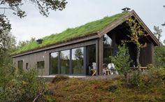 Bildegalleri - Sjemmedalhytta Scandinavian Architecture, Interior Architecture, Sedum Roof, Italy House, Little Houses, Tiny Houses, Building A House, Build House, Design Case