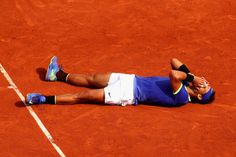 REPORT: Rafael Nadal claims a record 10th French Open with straight sets win over Stan Wawrinka: http://skysports.tv/cJk6iC
