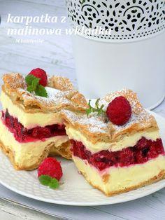 Domowa Cukierenka - Domowa Kuchnia: karpatka z malinową wkładką Polish Desserts, Polish Recipes, Polish Food, Dessert Drinks, Dessert Recipes, Healthy Potato Recipes, Mini Cheesecake Recipes, Torte Cake, Summer Cakes