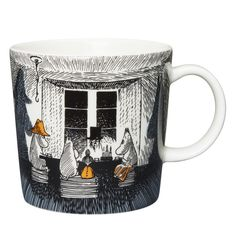 Moomin mugs and home decor items - Buy online from Finnish Design Shop. All in-stock items ship within 24 hours. Large selection of authentic Moomin products! Moomin House, Moomin Shop, Moomin Books, Moomin Mugs, Black N White Images, Black And White, Cappuccino Tassen, Tove Jansson, Ceramic Teapots