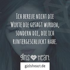 Manchmal lässt man jemanden gehen und bekommt sich selbst ein Stück zurück Words To Live By Quotes, Wise Quotes, German Quotes, Positive Living, Feelings And Emotions, More Than Words, Man Humor, True Words, Beautiful Words