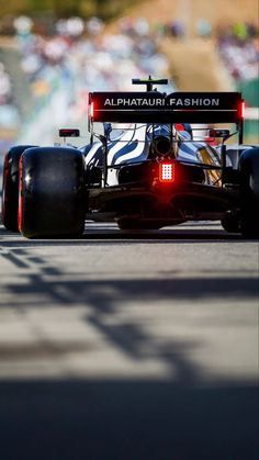 Techno Wallpaper, Star Wars Wallpaper Iphone, Lewis Hamilton, F1 Racing, F 1, Wall Photos, Vroom Vroom, Formula One, Grand Prix