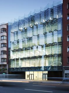 Built by ACXT in Bilbao, Spain with date Images by Aitor Ortiz. The building is located in María Díaz de Haro Street, close to the main avenue of the city of Bilbao, the Gran Via. Building Skin, Glass Building, Building Facade, Facade Architecture, Contemporary Architecture, Glass Curtain Wall, Facade Lighting, Glass Facades, Exterior