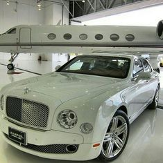 You can't drive a Bentley and not own a private jet! Jets Privés De Luxe, Luxury Jets, Luxury Private Jets, Private Plane, Dream Cars, Jet Airlines, Jet Privé, Luxury Helicopter, Bentley Car