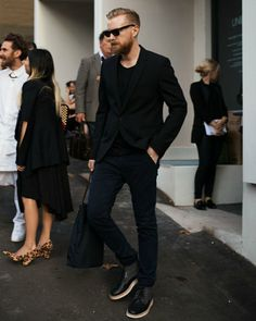 all black outfit for men black blazer black t-shirt black jeans black shoes mens street style