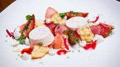 Strawberries with Cider, Goats Cheese, Grapeseed Oil Cake and Strawberry Sauce on Masterchef Australia Small Food Processor, Food Processor Recipes, Sugared Grapes, Peach Wine, Pineapple Sage, Frozen Grapes, Masterchef Australia, Oil Cake, Desserts