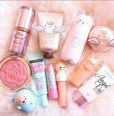 Image via We Heart It #cute #girly #makeup #pink #babyface #babyskin #babylips #unicornkızı