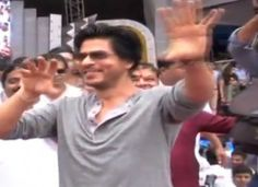 7 Crore Song For Shahrukh Khan's Next Happy New Year