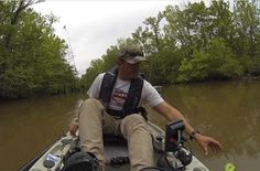 Американский рыбак вместо сома поймал аллигатора (видео)