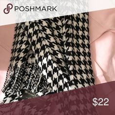 Soft Houndstooth Scarf A chic addition to any outfit, this ultra soft houndstooth scarf will keep you warm in any weather! Accessories Scarves & Wraps