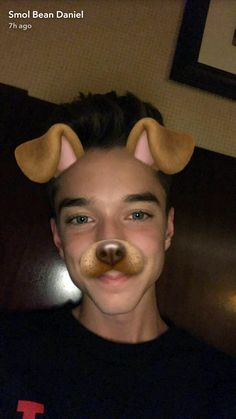 Does Snapchat make his eyes more blue than they already are?