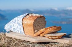 Det er ikkje alltid vi har tid til å vente på eit eltefritt brød, men treng brød til kvelds. Då lagar vi denne versjonen, som gir tre kvardagsbrød, der to. Fortsett å les Recipe Boards, Food And Drink, Girly, Recipes, Cakes, Men, Creative, Women's, Girly Girl