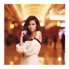 Kathryn Bernardo Debut Ideas, Filipina Actress, Kathryn Bernardo, Jadine, Beautiful Inside And Out, Asian Beauty, Photo Editing, White Dress, Photoshoot