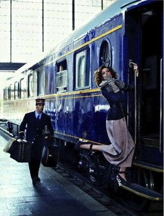 Venice Simplon Orient-Express - Coco Rocha, and Carlos Torregrosa - Journey into the Past - Elle Spain - Photo by Xavi Gordo Le Train Bleu, Trains, Simplon Orient Express, Elle Spain, Blue Train, Train Tracks, Mode Vintage, Vintage Style, Train Station
