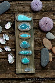 55 Liebenswertesten DIY Painted Rock Art Ideen - Homemydesign - Art World Pebble Painting, Pebble Art, Stone Painting, Diy Painting, Stone Crafts, Rock Crafts, Diy And Crafts, Arts And Crafts, Rock Painting Designs
