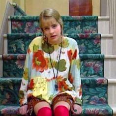 18 Veces que 'Clarissa lo explica todo' nos dio nuestras primeras lecciones de moda Melissa Joan Hart, Fashion Tv, Clarissa Explains It All, Boy Meets World, 90s Outfit, Lizzie Mcguire, Dio, Favorite Tv Shows, Celebs