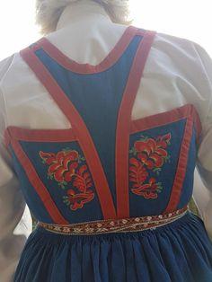 (3) FINN – Blåtøysbunad Norway, Sweden, Vest, Traditional, Costumes, Fashion, Moda, Dress Up Clothes, Fashion Styles