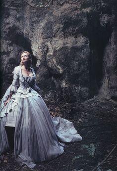 Kirsten Dunst for Vogue by Annie Leibovitz, September 2006.