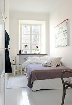 gemütliches, großes schlafzimmer in heller berliner altbauwohnung