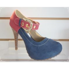 Venda: Scarpin Vermelho com Azul por R$189,90