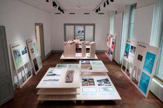 """""""ICI ET LE MONDE"""" Architecture en Rhône-Alpes et en Romandie Exposition produite par La Maison de l´Architecture Rhône-Alpes et le Schweizerisches Architekturmuseum - Juin 2009 Design, graphisme et..."""