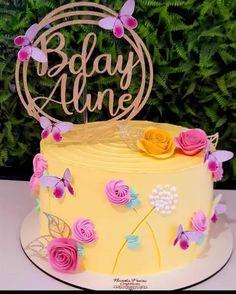 Creative Cake Decorating, Creative Cakes, Lemon Flowers, Bolo Cake, Happy Birthday, Birthday Cake, Butterfly Cakes, Caking It Up, Pretty Cakes