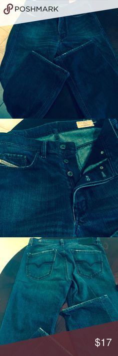 """Diesel Jeans Men's 30 by 32 Quratt Diesel straight leg . Stretch. Dark wash """" Quratt"""" button Fly. 30 by 32. Diesel Jeans Straight"""