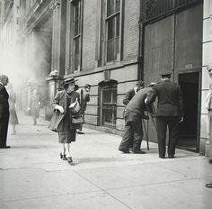 Vivian Maier, la bambinaia dellUpper Class newyorkese che per cinquantanni fotografò la Grande Mela in mostra al Man di Nuoro (FOTO)