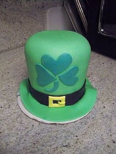 Leprechaun's Hat St. Patrick's Day Cake