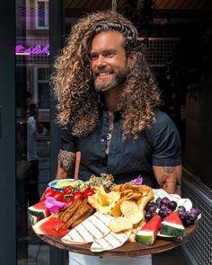 Gastronom, Unternehmer & Influencer Hank Ge - The Chill Report Social Media Plattformen, Brunch, Influencer, Chill, Food, Fine Dining, Brand Ambassador, Good Food, Things To Do