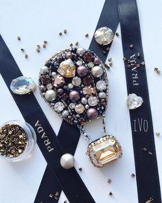 ― 「 from - Для тех кто любит золото⚜️ - Bead Jewellery, Jewelry Art, Beaded Jewelry, Jewelry Accessories, Fashion Jewelry, Beaded Bracelets, Bead Embroidery Jewelry, Beaded Embroidery, Brooches Handmade