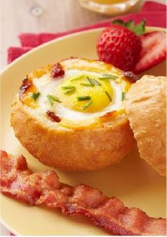 Cheesy Egg-in-a-Bowl – Wow the morning crowd with a cleverly delicious way to get savory bacon, hot cooked egg and toast in every bite.