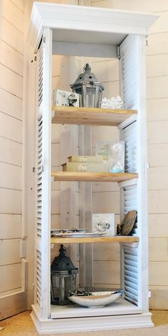 In LOVE with this bookshelf! decor be& Repurposed shutters. In LOVE with this bookshelf! decor beach decor The post Repurposed shutters. In LOVE with this bookshelf! decor be& appeared first on Farah& Secret World. Old Window Shutters, Diy Shutters, Repurposed Shutters, Bedroom Shutters, Window Frames, Farmhouse Shutters, Wooden Shutters, Farmhouse Decor, White Shutters