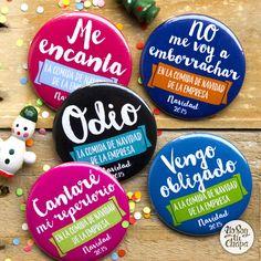 Con nuestras chapas, la cena navideña de la empresa será aún más divertida! ¿Sabes que puedes personalizarlas con el nombre y el logo de tu empresa? ¡Descúbrelas todas! http://yosoytuchapa.com/17-especial-navidad