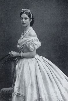 Tsaritsa Maria Feodorovna of Russia, 1866 - Princess Dagmar of Denmark (sister of Princess/Queen Alexandra of England) in her engagement jewels